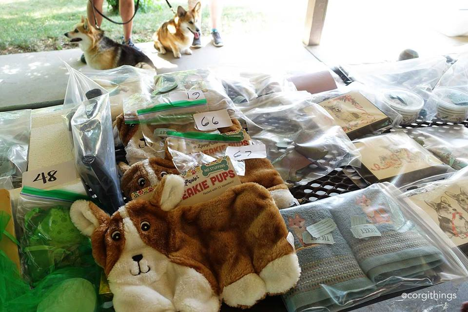 Some raffle items. Facebook/Corgi Things: http://bit.ly/291QjOv